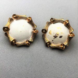 Vintage Trifari Clip On Earrings